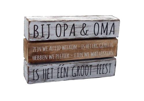 "Houten Tekstplank / Tekstbord 16 x 24 cm ""Bij Opa & Oma....."" - Kleur Antique White & Naturel"