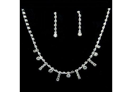 SALE - Chique Verstelbare Kristallen Bruidsketting met Bijpassende Oorbellen