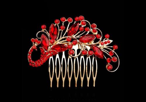 Goudkleurige Haarkam bezet met Fonkelende Rode Kristallen