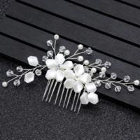 thumb-Stijlvolle Zilverkleurige Haarkam bezet met Ivoorkleurige Bloemen-1
