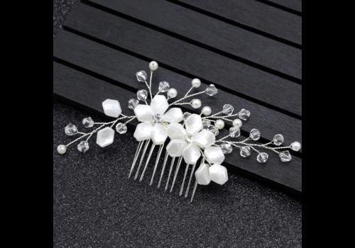 Stijlvolle Zilverkleurige Haarkam bezet met Ivoorkleurige Bloemen