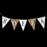 """BonTon - Houten Vlaggetjes / Slinger 13 x 50 cm - """"Hoera'' - Kleur Naturel / White"""