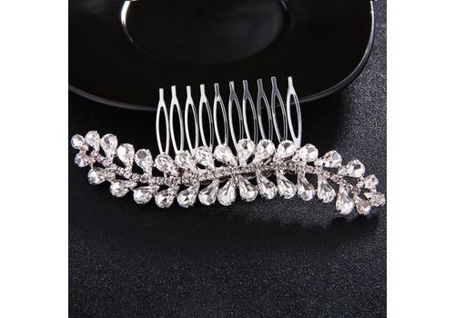 Fonkelende Zilverkleurige Haarkam bezet met Kristallen