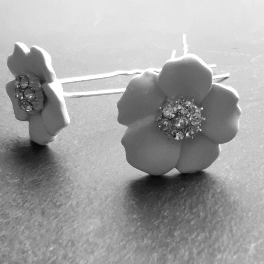 Zilverkleurige Hairpins – Flower - Wit - Diamantjes - 2 stuks-4