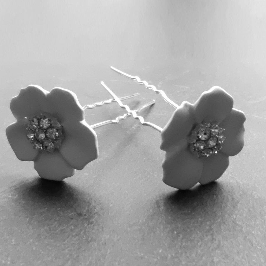 Zilverkleurige Hairpins – Flower - Wit - Diamantjes - 2 stuks-2