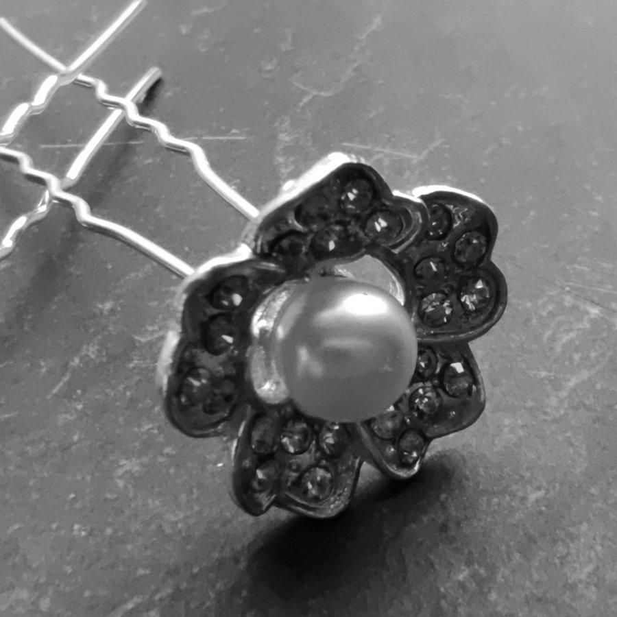 Zilverkleurige Hairpins – Flower met Ivoorkleurige Parel en Diamantjes - 5 stuks-2