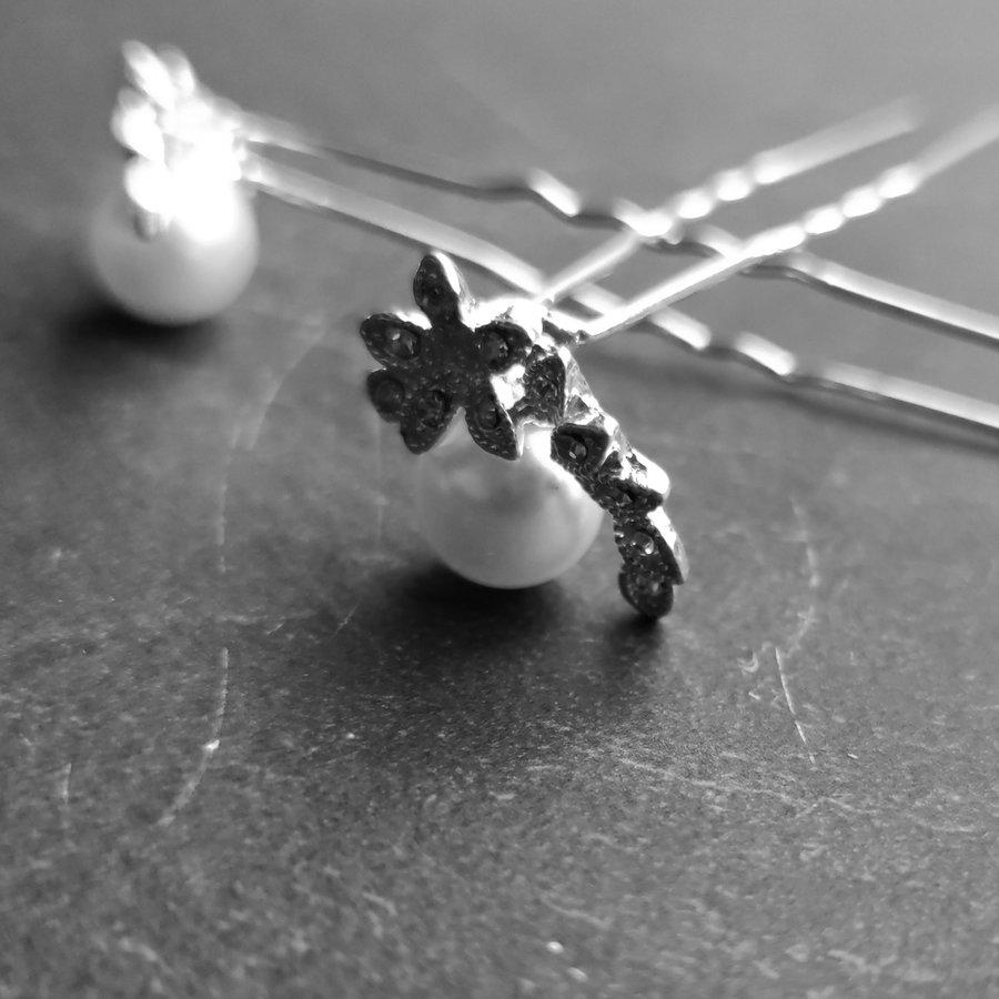Zilverkleurige Hairpins – Lauwerkrans -  Ivoorkleurige Parel en Diamantjes - 5 stuks-4