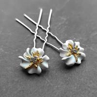 thumb-Zilverkleurige Hairpins – Bloem - Wit - Diamantjes - 2 stuks-1