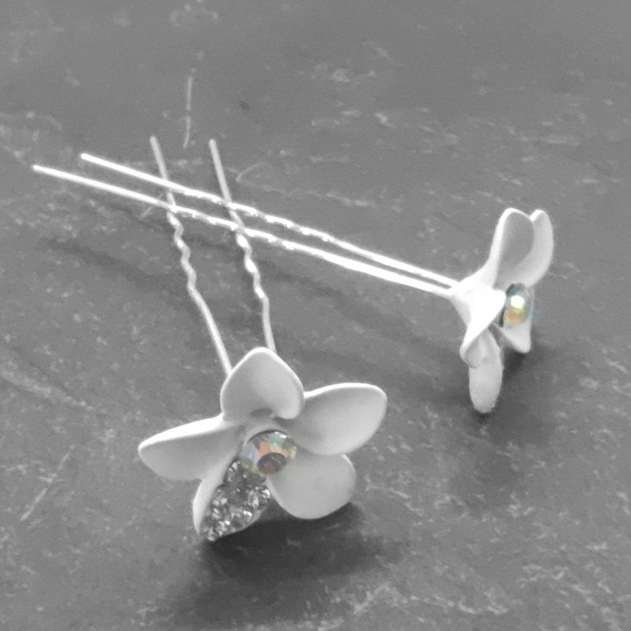 Zilverkleurige Hairpins – Bloem - Wit - Diamantjes - 2 stuks-4