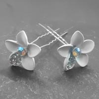 thumb-Zilverkleurige Hairpins – Bloem - Wit - Diamantjes - 2 stuks-3