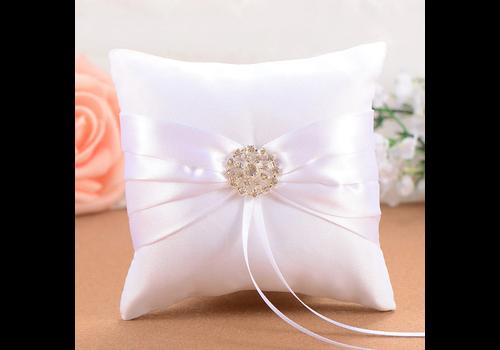 Ringkussen Wit met Fonkelende Diamant