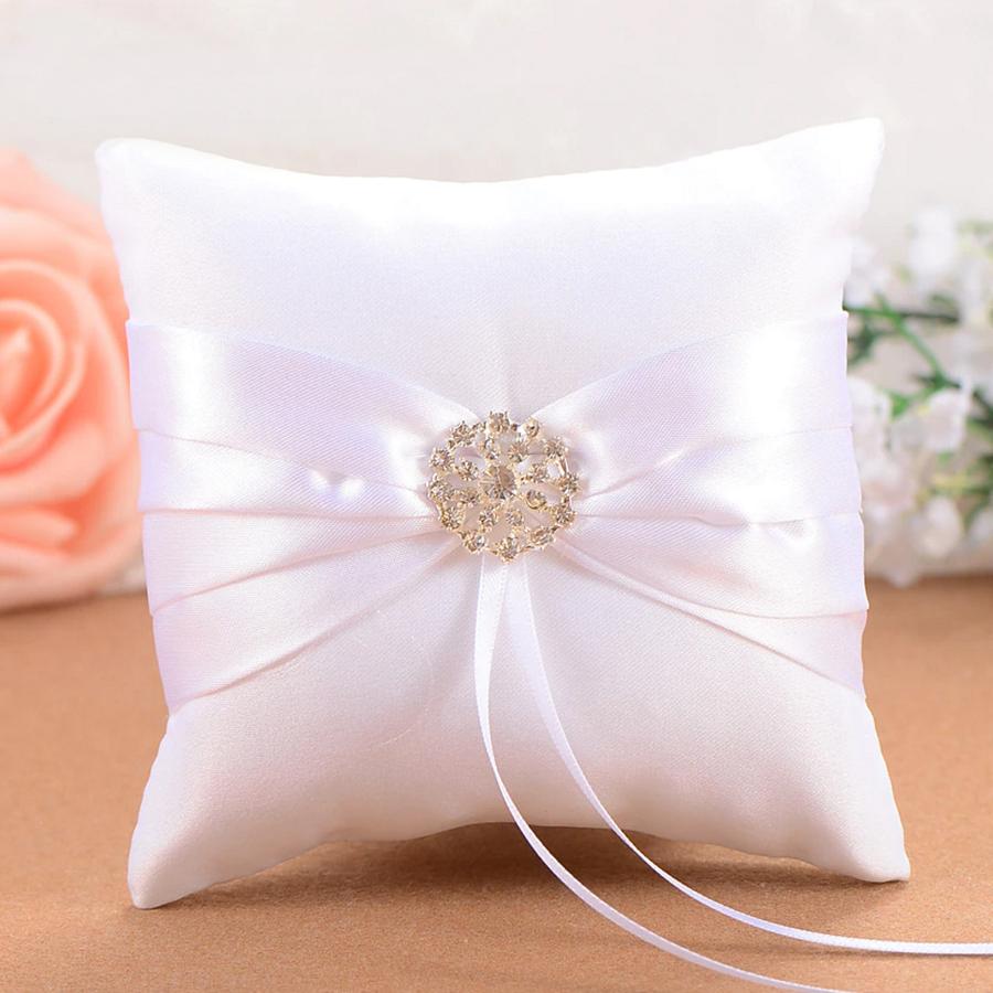 Ringkussen Wit met Fonkelende Diamant-1