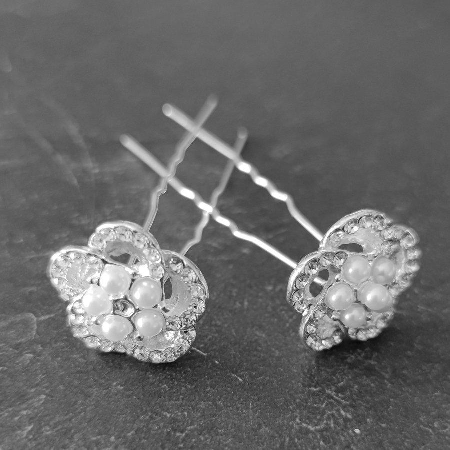Chique Zilverkleurige Hairpins - Diamantjes en Pareltjes - 2 stuks-2