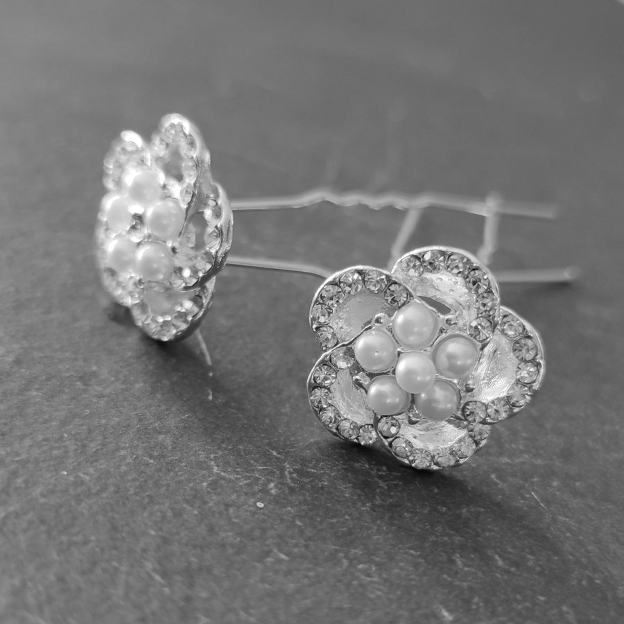 Chique Zilverkleurige Hairpins - Diamantjes en Pareltjes - 2 stuks-1