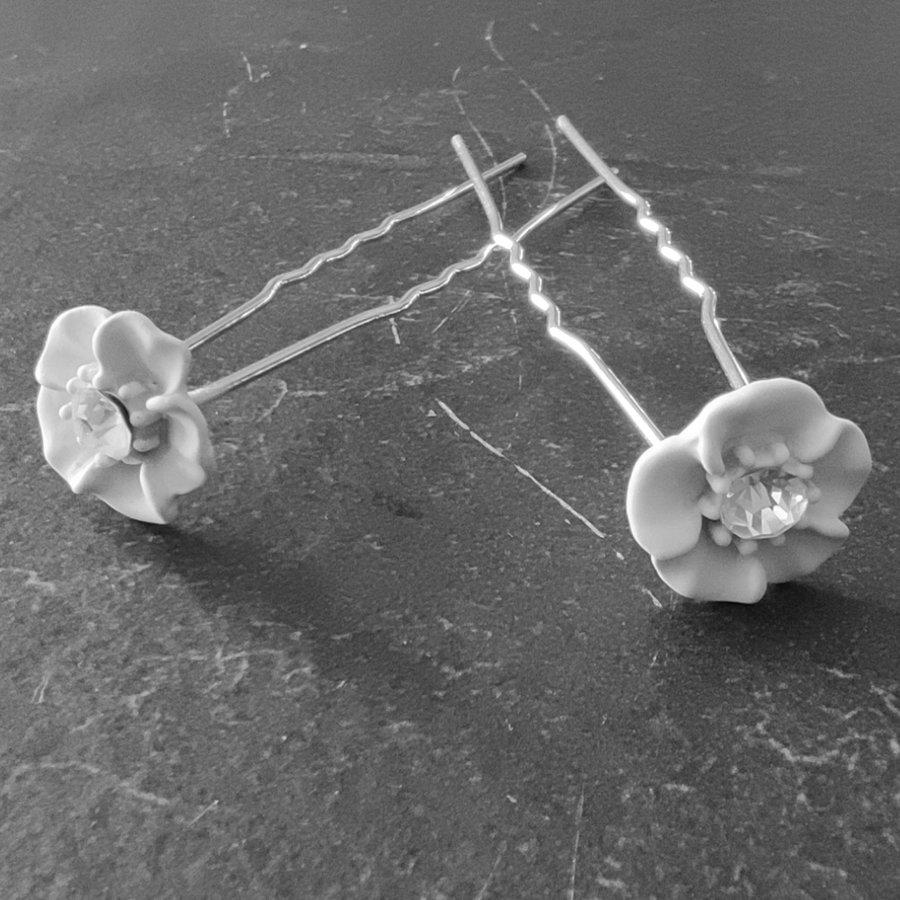Zilverkleurige Hairpins - Wit Bloemetje met Diamant - 5 stuks-1