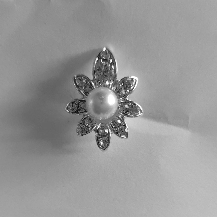PaCaZa - Zilverkleurige Hairpins - Flower - Diamantjes en Ivoorkleurige Parel - 5 stuks-2