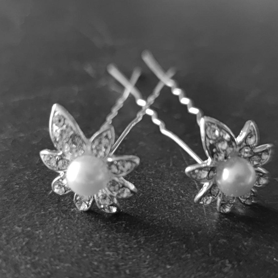 PaCaZa - Zilverkleurige Hairpins - Flower - Diamantjes en Ivoorkleurige Parel - 5 stuks-5