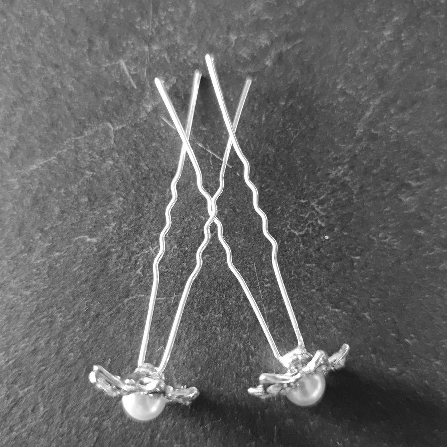 Zilverkleurige Hairpins - Flower - Diamantjes en Ivoorkleurige Parel - 5 stuks-3