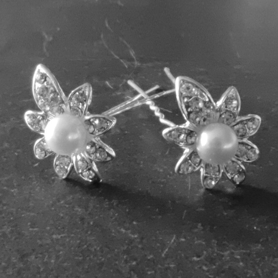 Zilverkleurige Hairpins - Flower - Diamantjes en Ivoorkleurige Parel - 5 stuks-1