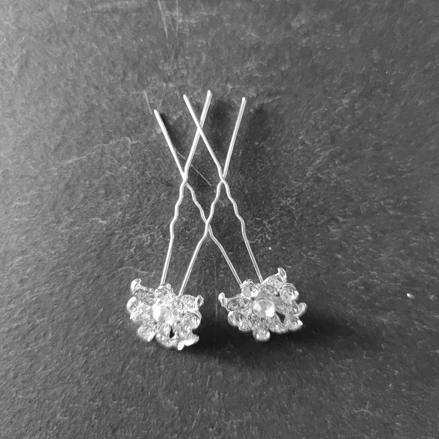 Zilverkleurige Hairpins - Fonkelende Bloem met  Diamantjes - 2 Stuks-5