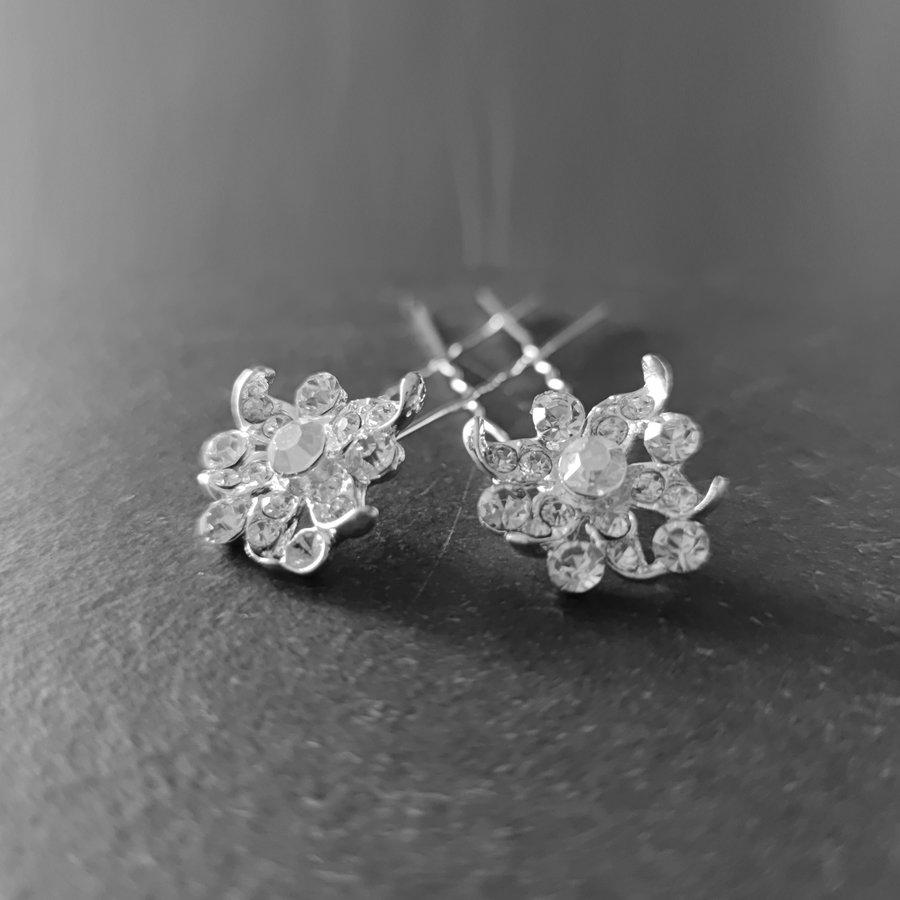 Zilverkleurige Hairpins - Fonkelende Bloem met  Diamantjes - 2 Stuks-4