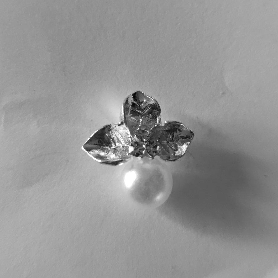 Zilverkleurige Hairpins - Blaadjes met Diamantjes en Ivoorkleurige Parel - 5 stuks-2