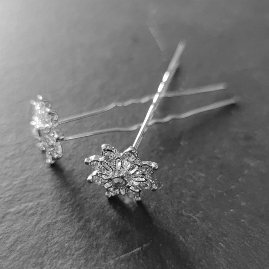 Zilverkleurige Hairpins - Fonkelende Bloem Bezaaid met Diamantjes - 5 stuks-2