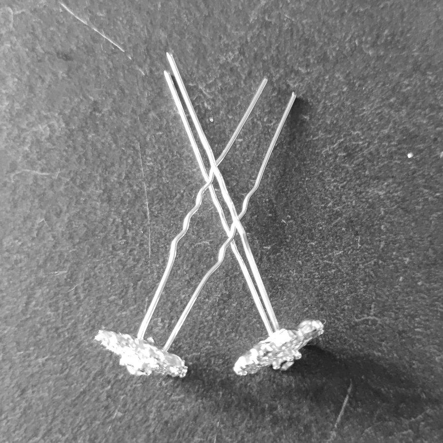 Zilverkleurige Hairpins - Fonkelende Bloem Bezaaid met Diamantjes - 5 stuks-4