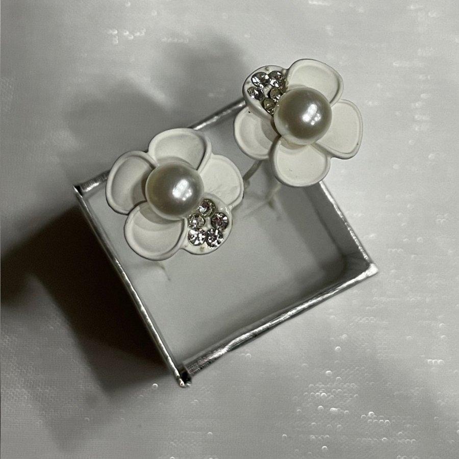 PaCaZa - Zilverkleurige Hairpins - Wit - Bloem - Parel - Diamantjes - 5 stuks-4