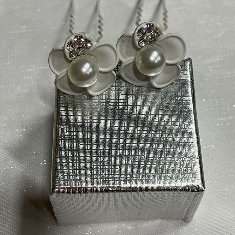 PaCaZa - Zilverkleurige Hairpins - Wit - Bloem - Parel - Diamantjes - 5 stuks-3
