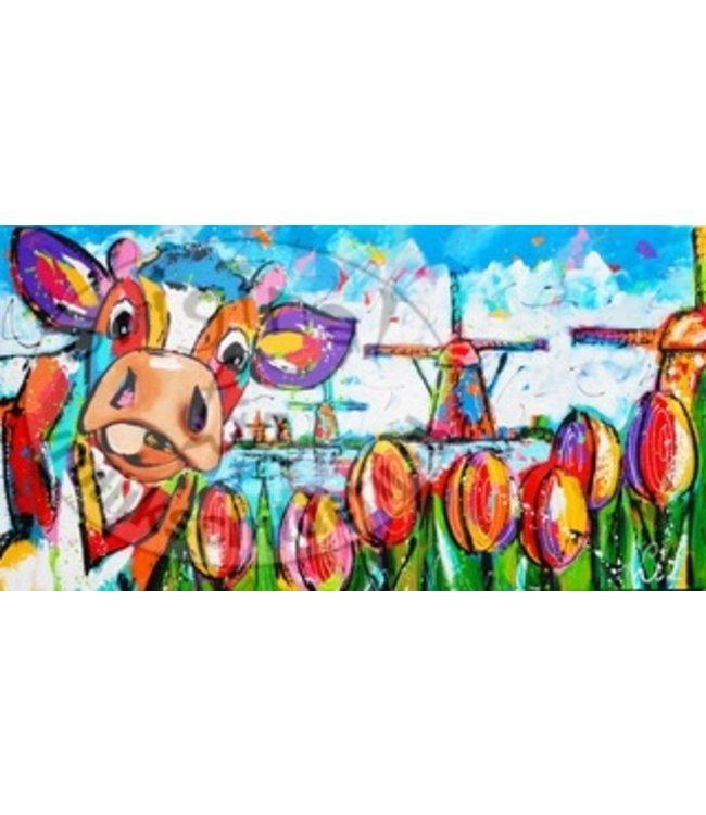 Corrie Koe met windmolen en tulpen