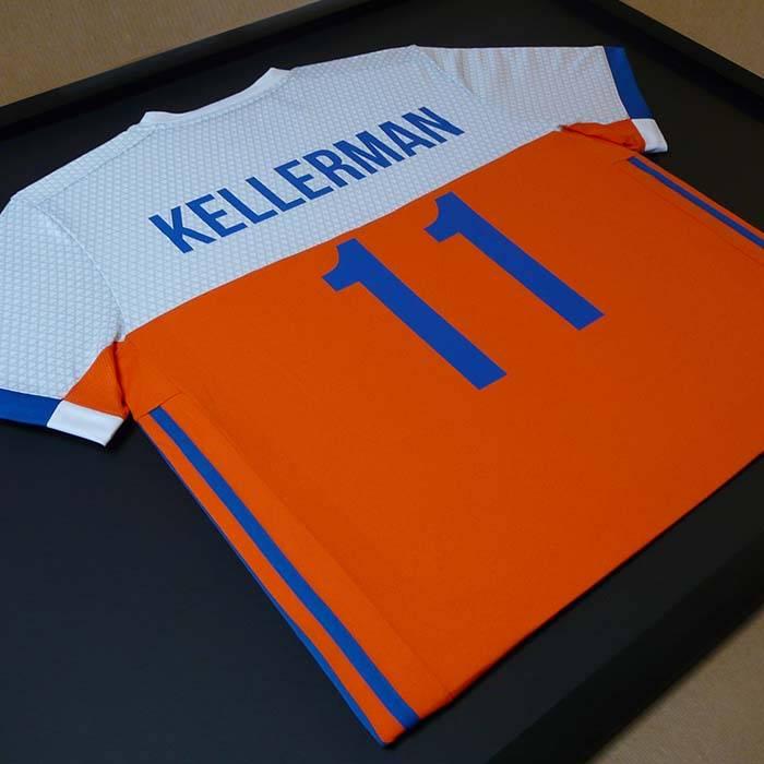 T-shirt inlijsten van en voor hockey international Bjorn Kellerman