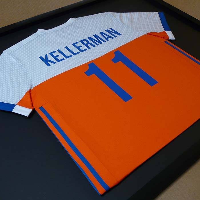 T-shirt inlijsten van en voor hockey international Bjorn Kellerman