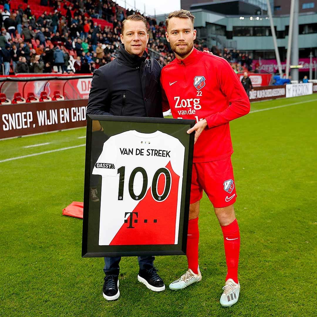 FC Utrecht t-shirts inlijsten