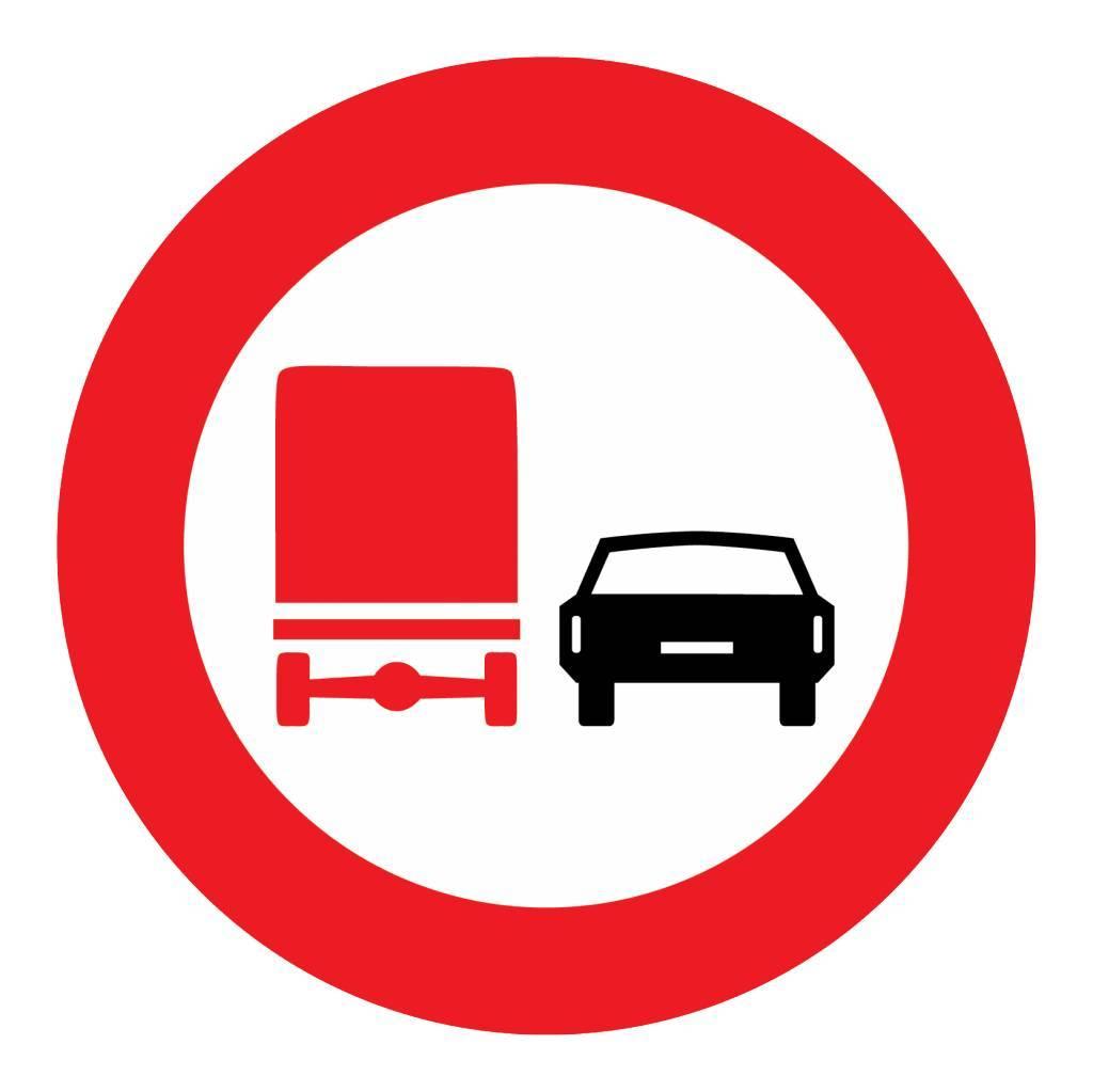 Verbod voor vrachtauto's om in te halen