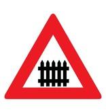 Bahnübergang mit Schranken oder Halbschranken