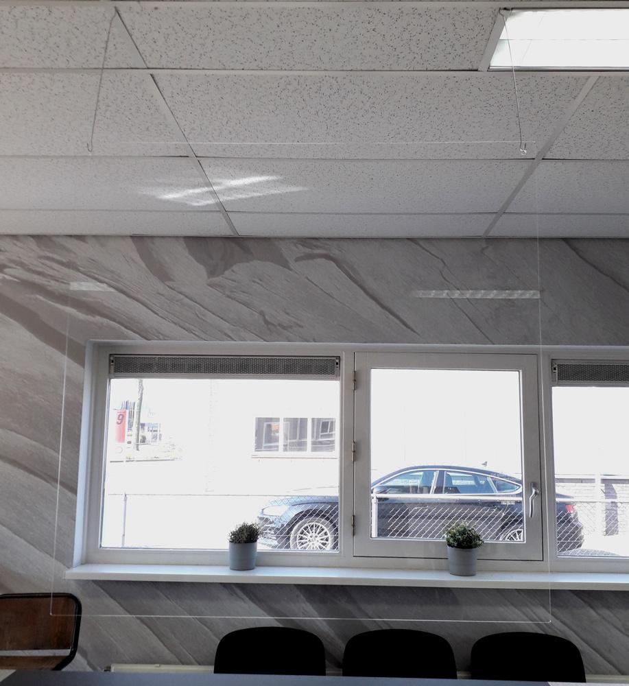 Paravent de sécurité suspendu / 78cm x 78cm (lxh)