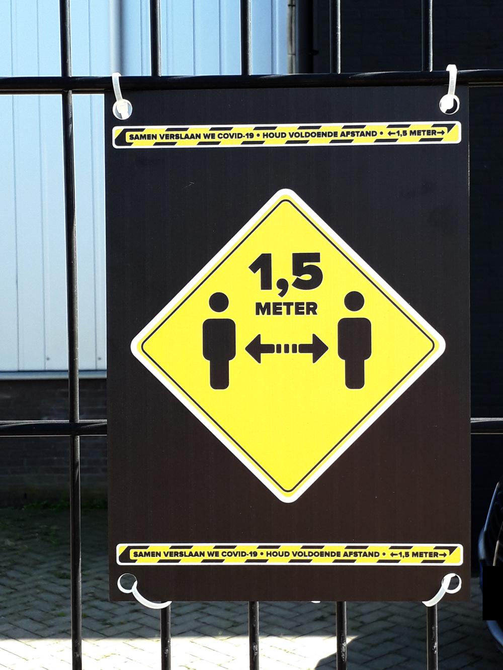 Bord 1,5 meter afstand houden