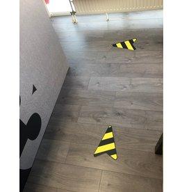 Flecha adhesiva de piso (enrutamiento)