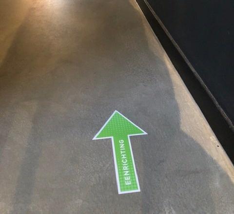 Bodenaufkleber Pfeil Einbahnstraße