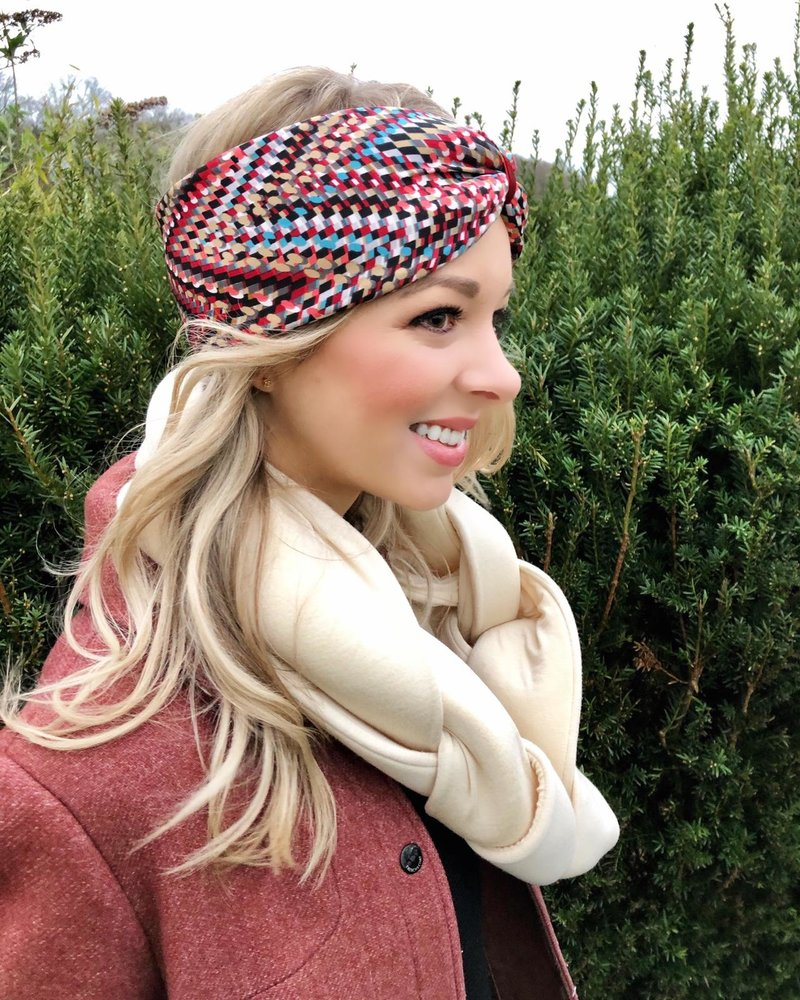 "Embrace ""Raute red creme"" headband in a loop look with red velvet ribbon"