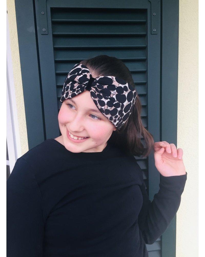 """Beige dot"" headband with loop-look and black velvet ribbon"