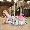 Paardenstal met 2 boxen en berging 1:24  van Kids Globe