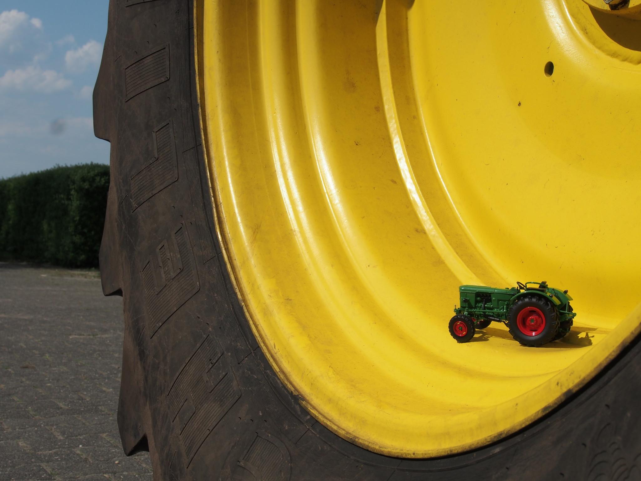 Wat worden we enthousiast van mooie grote stoere Tractoren!