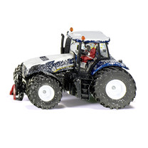 Siku Christmas tractor limited edition 1:32