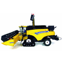 New Holland Universal Hobbies New Holland CR9090 1:32