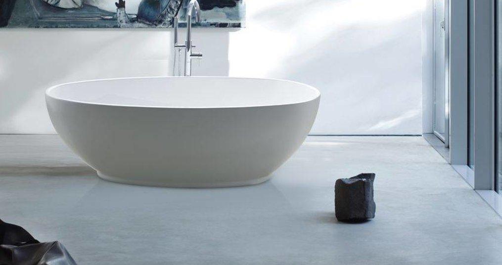 Een vrijstaand bad met unieke afmetingen