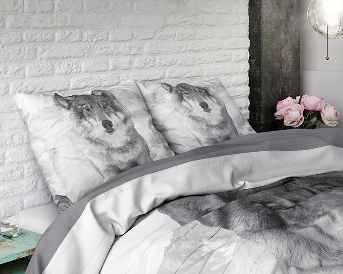 Dreamhouse Wolf Nature Grey