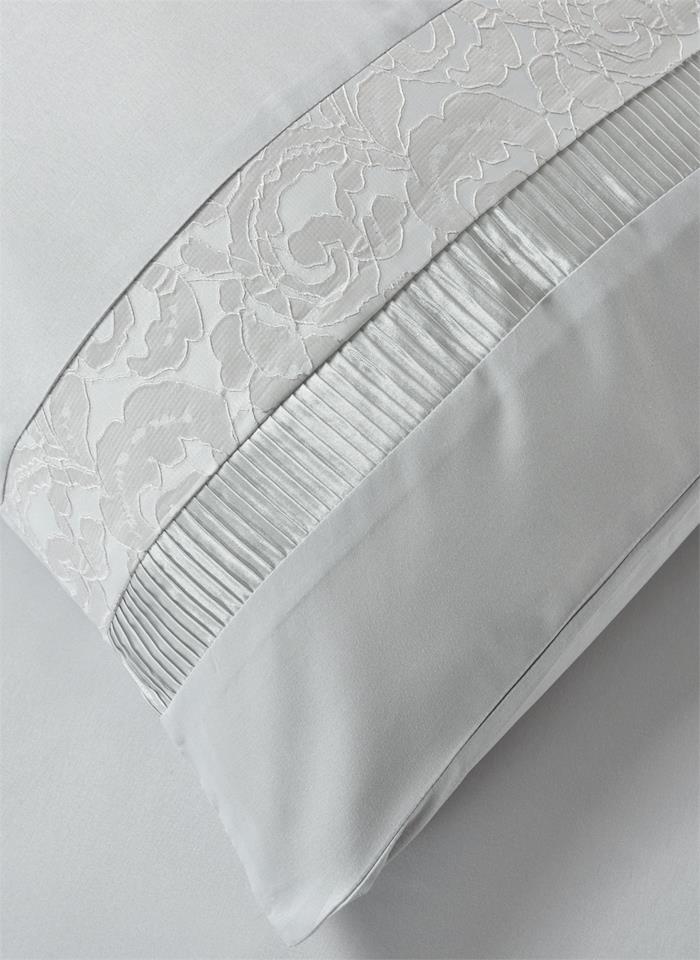 Fancy Embroidery Gabriele Silver