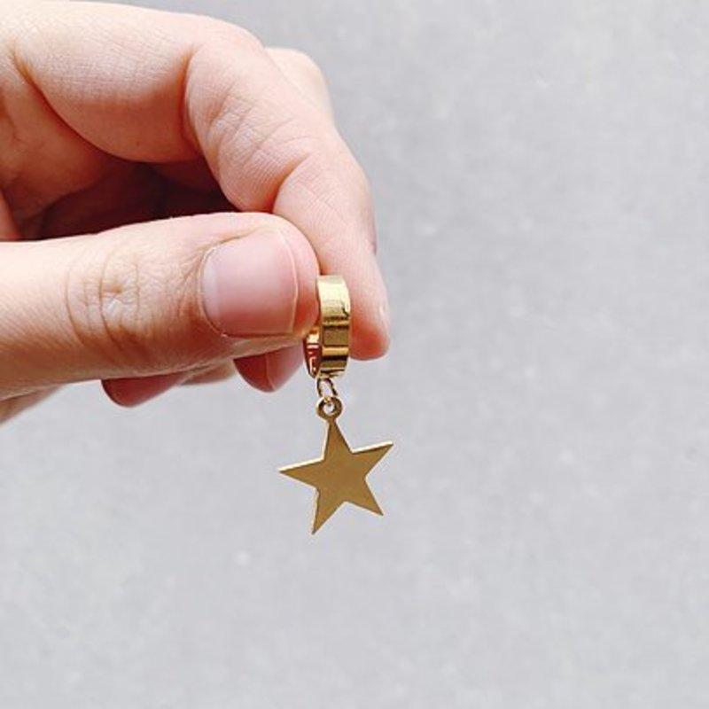 Rocky Rosa Rocky Rosa big  star earrings-gold